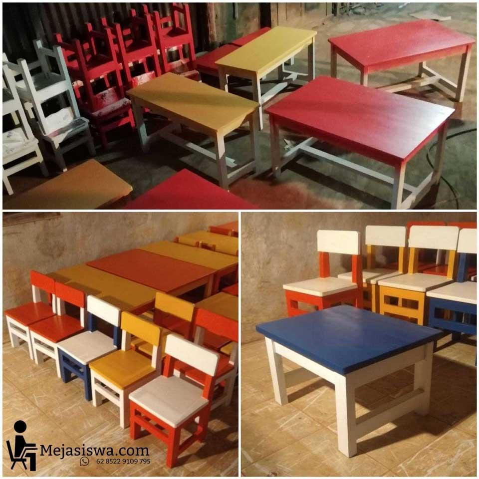 gambar meja kursi sekolah tk paud